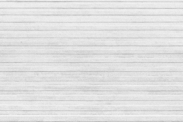 Angolo del primo piano della struttura di marmo all'aperto della scala delle scale di pietra bianche.