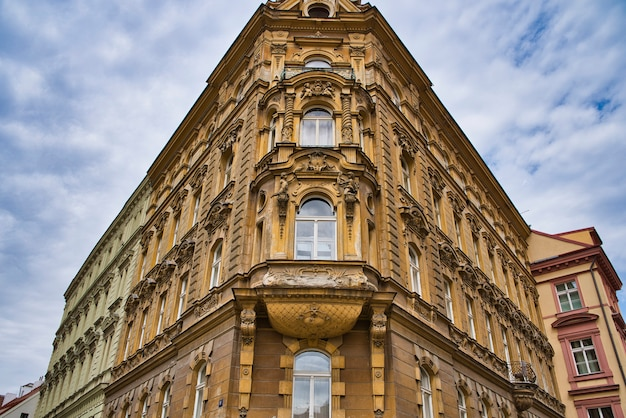 Angolo della costruzione dell'hotel a praga, repubblica ceca