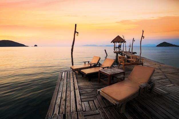 Angolo relax nel molo di koh mak nell'isola di mak