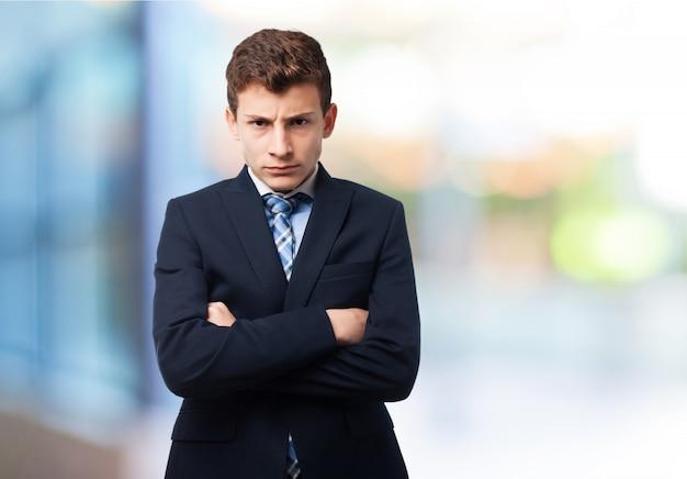 Angry uomo elegante