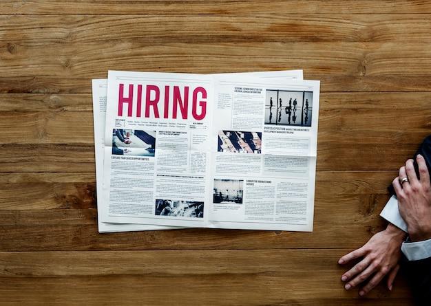 Annuncio di assunzione di carriera sul giornale