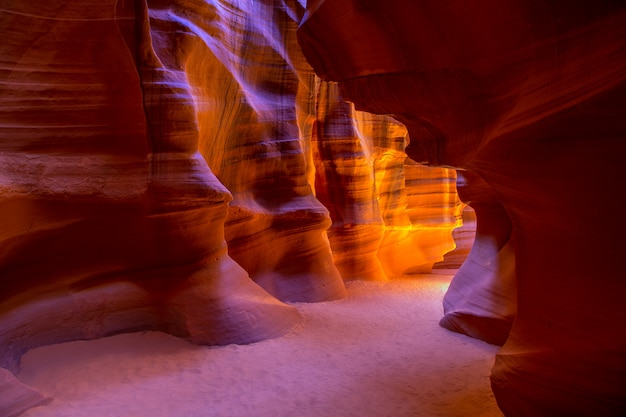 Antelope canyon arizona sulla terra navajo vicino alla pagina