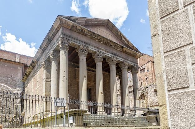 Antico tempio romano di vic, in spagna