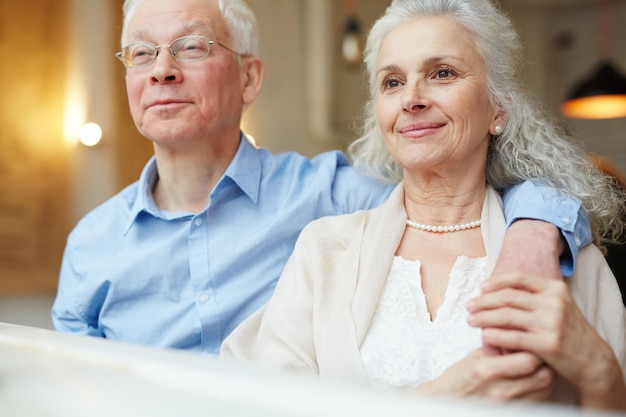 Anziani riposanti