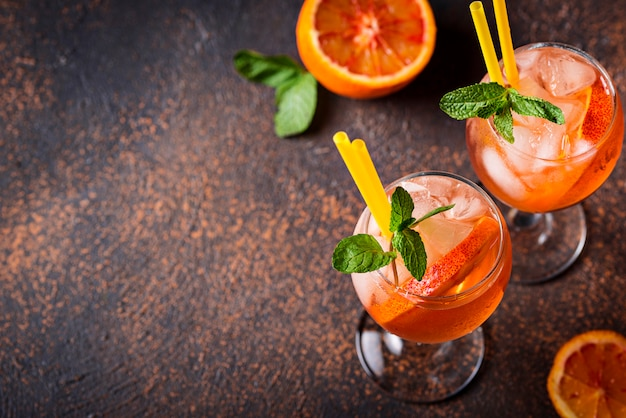 Aperol spritz, cocktail italiano all'arancia