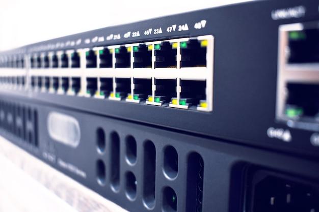 Apparecchiature di rete, nuovo router e switch