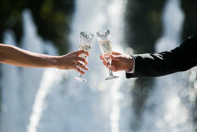 Appena coppia sposata tostatura