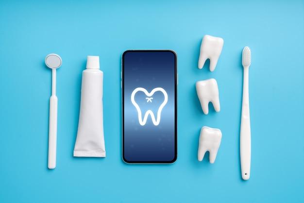 Applicazione di assistenza sanitaria online su smartphone