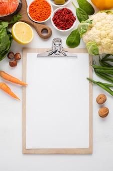 Appunti mock-up e generi alimentari