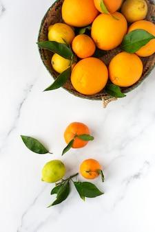 Arance, mandarini e limoni