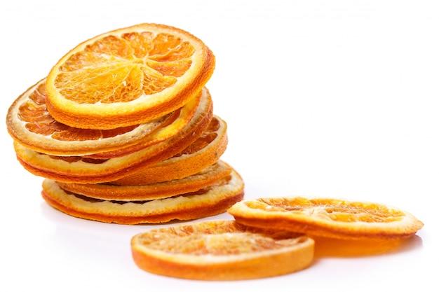 Arancia secca sul tavolo