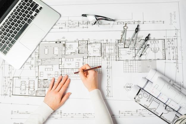 Architetto disegno modello