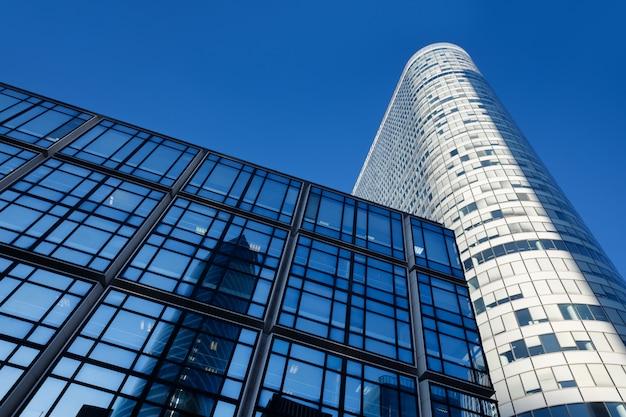 Architettura e costruzioni moderne a parigi