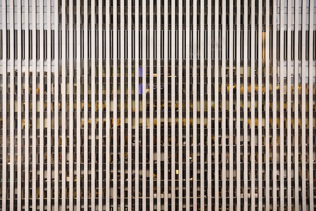 Architettura moderna di manhattan. manhattan è il più densamente popolato dei cinque distretti di new york city.