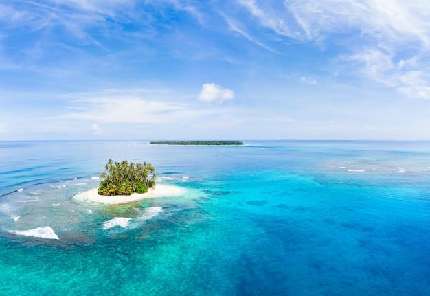 Arcipelago tropicale indonesia di sumatra delle isole di banyak di vista aerea