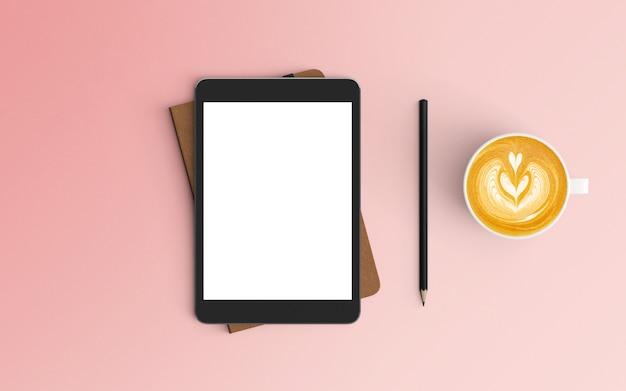 Area di lavoro moderna con tazza di caffè, notebook e tablet su colore rosa