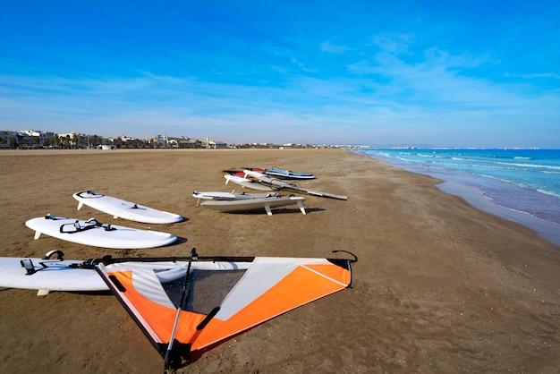 Arene della spiaggia di valencia la malvarrosa spagna