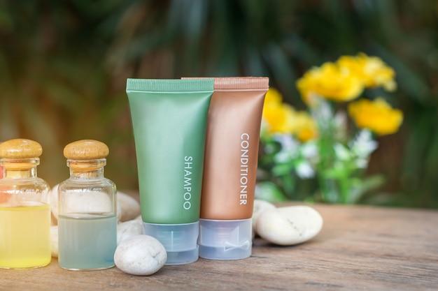 Aromaterapia prodotto spa di massaggio terapeutico con plumeria o fiori di frangipane