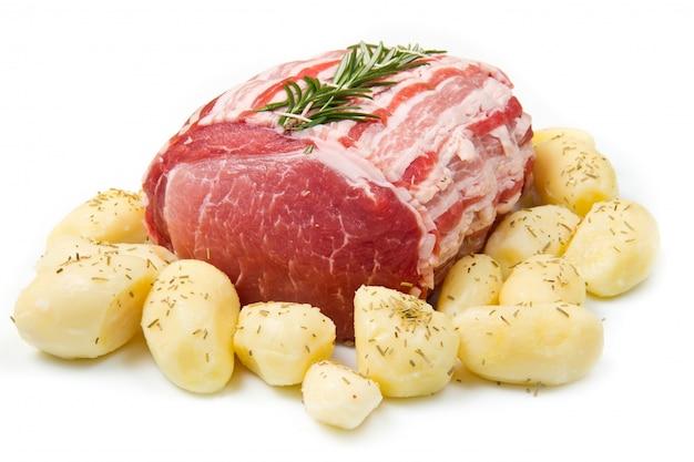Arrosto fresco di vitello con rosmarino e patate