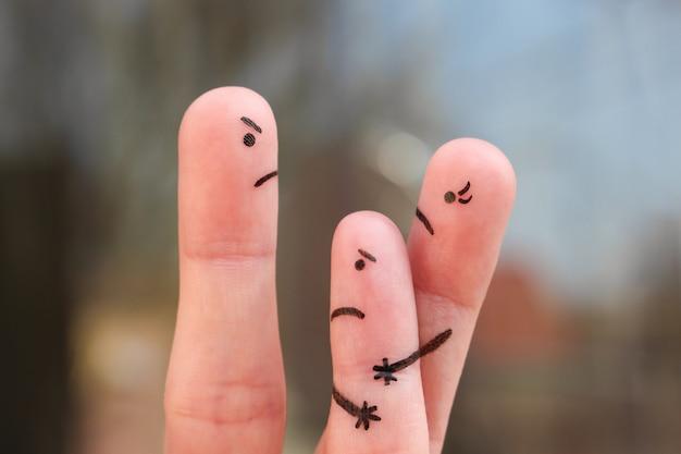 Arte del dito della famiglia durante il litigio.