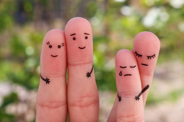 Arte delle dita della famiglia durante il litigio. concetto di genitori divorziati, il bambino è rimasto con la mamma. suo marito l'ha lasciata per un'altra donna.