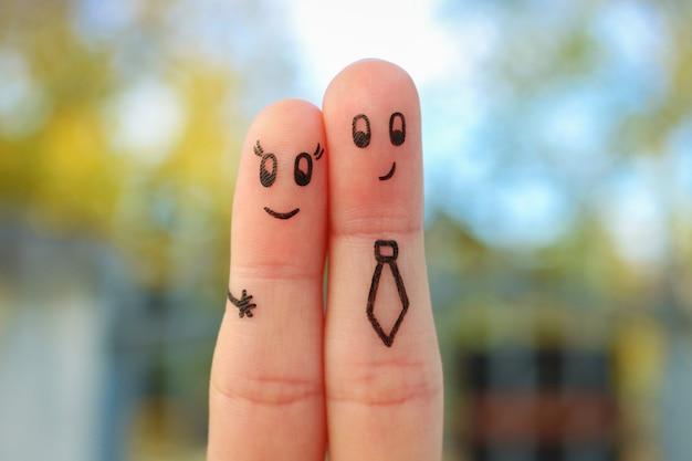 Arte delle dita di coppia. concetto di romanticismo in ufficio.