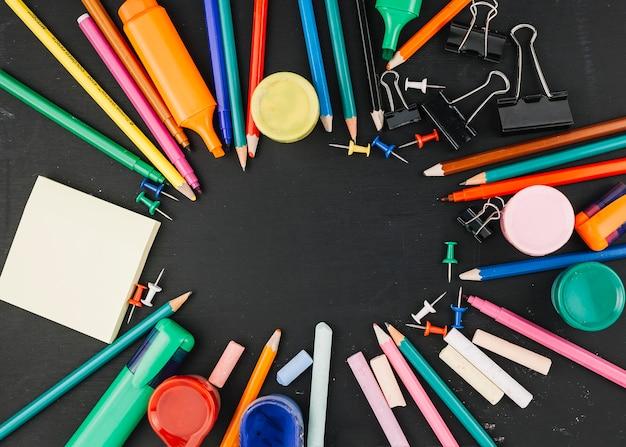 Articoli per ufficio che si trovano al cerchio