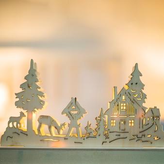 Articolo in legno illuminato