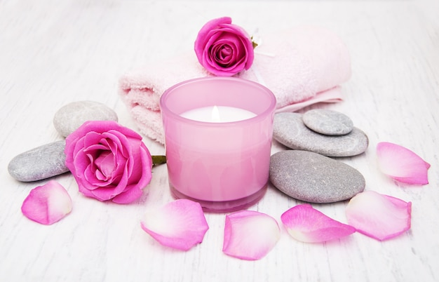 Asciugamani da bagno con rose rosa