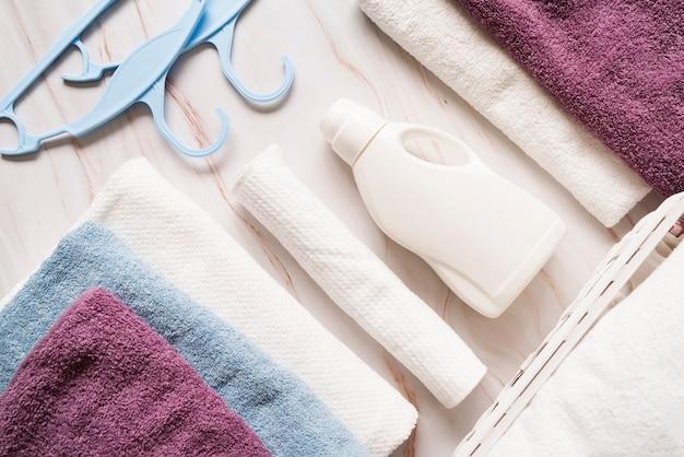 Asciugamani vista dall'alto con ammorbidente