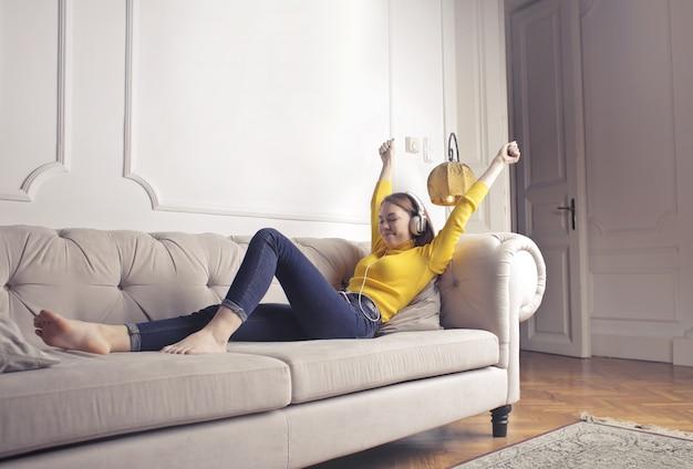 Ascoltare la musica a casa