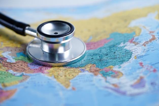 Asia: stetoscopio con mappa del mondo