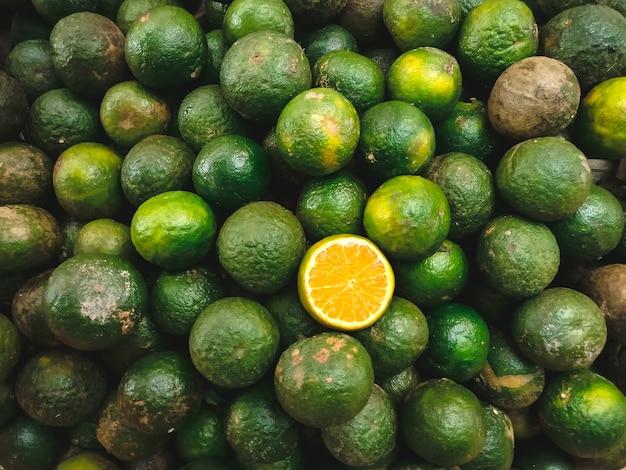 Asiatici arance verdi asiatiche