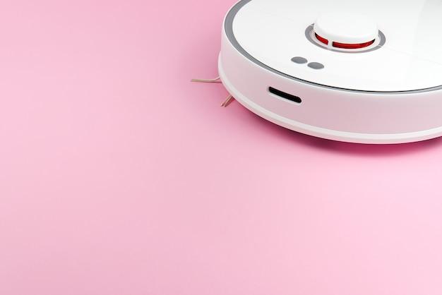 Aspirapolvere robot bianco