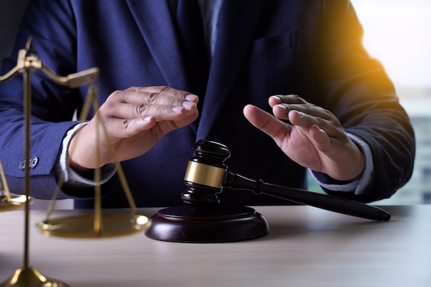 Assicurazione sulla casa, concetto di legge e giustizia