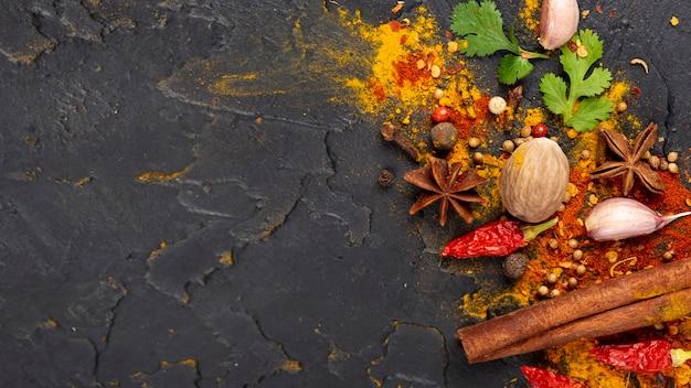 Assortimento asiatico degli ingredienti alimentari di vista superiore con lo spazio della copia