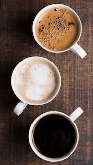 Assortimento di caffè nero e latte vista dall'alto