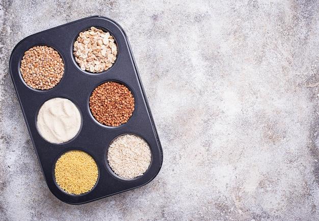 Assortimento di diverse semole e cereali