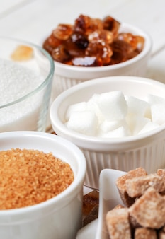 Assortimento di diversi tipi di zucchero
