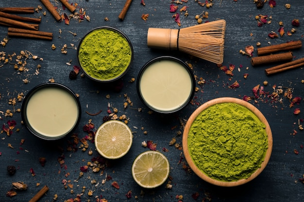 Assortimento di ingredienti asiatici matcha di tè