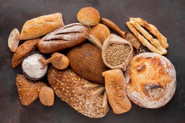 Assortimento di pane e pasticceria