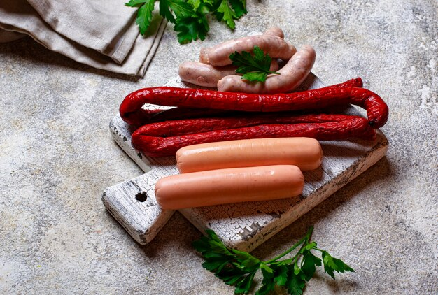 Assortimento di salsicce alla griglia