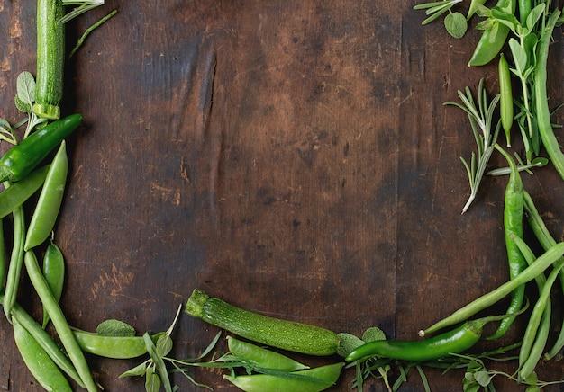 Assortimento di verdure verdi