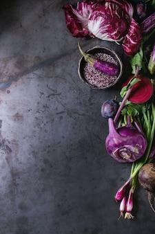 Assortimento di verdure viola