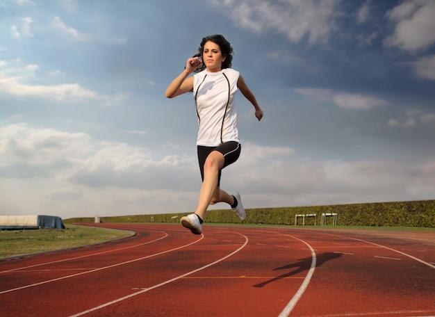 Atleta professionista in pista
