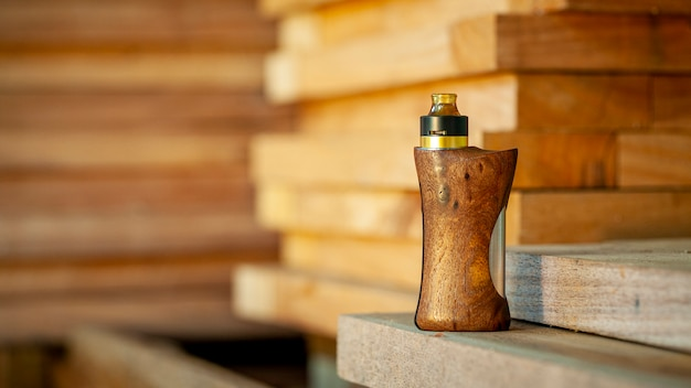 Atomizzatore di gocciolamento ricostruibile di fascia alta con mod di scatola regolate in legno di noce naturale stabilizzato, dispositivo di svapo, fuoco selettivo