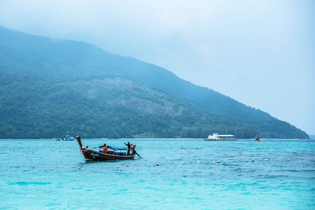 Attrazioni turistiche di koh lipe in tailandia