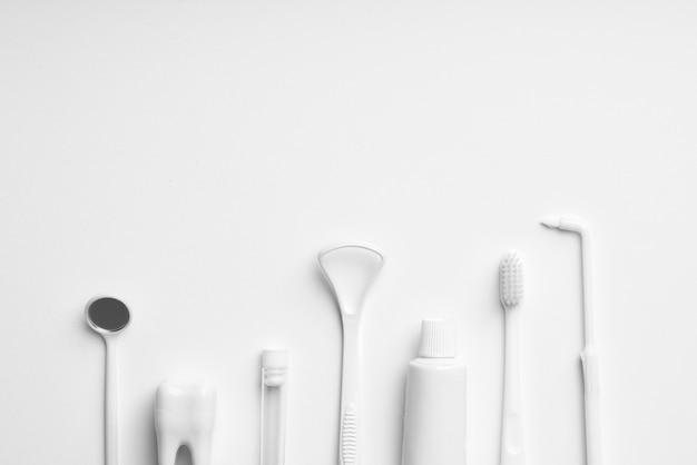 Attrezzatura bianca per la cura dei denti