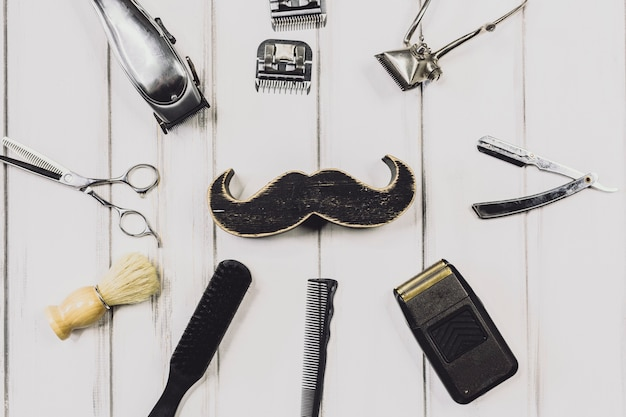 Attrezzatura per baffi e barbieri