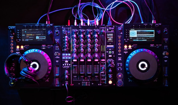 Attrezzatura per mixer audio